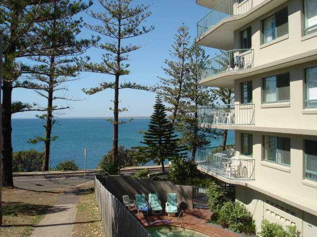Campbells Cove Beachfront Apartments