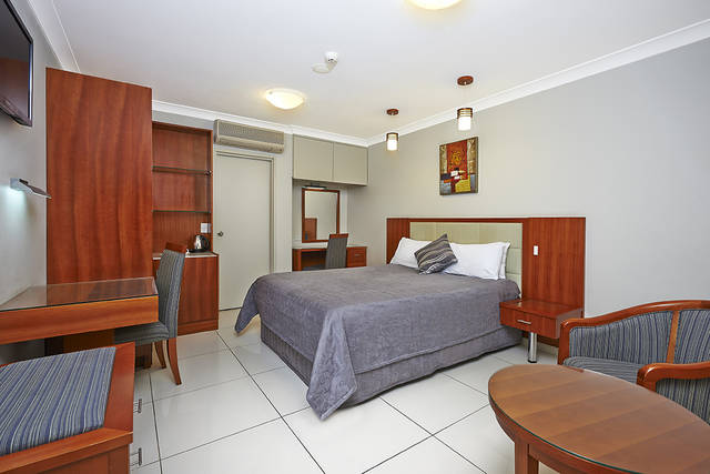 Comfort Inn and Suites Burwood