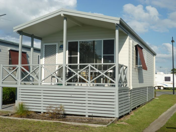 Belmont Pines Lakeside Holiday Park - Accommodation Gold Coast